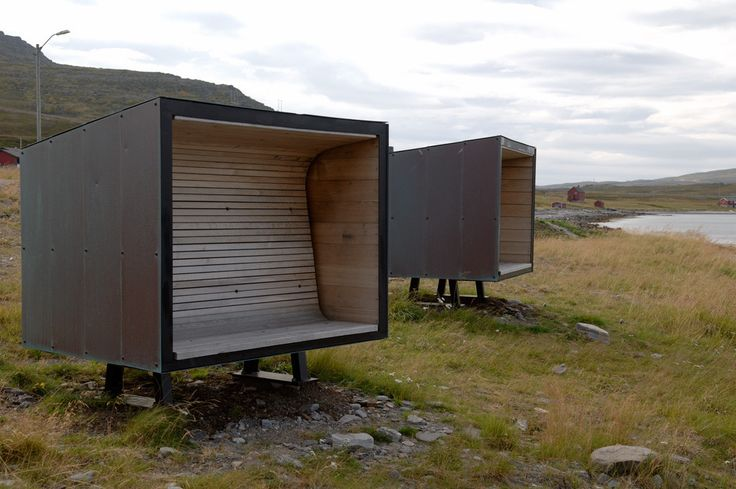 Built by Pushak in Måsøy, Norway with date 2005. Images by Pushak. The site of the road stop is a paradox. Oftentimes, the hardest winds blow off the sea, and yet the most attractive v...