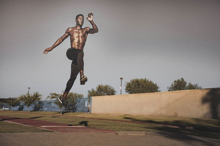 athlete jumping, by Leandro Puca | Unsplash