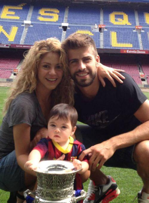 Shakira trabaja en nueva música y celebra el triunfo de Gerard Piqué junto a Milán