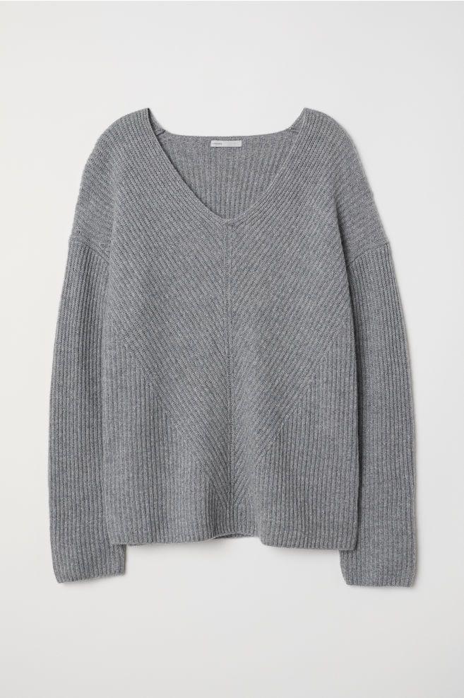 38d761e25e756 V-neck Cashmere Sweater | // SHOP | Cashmere jumper, Cashmere ...