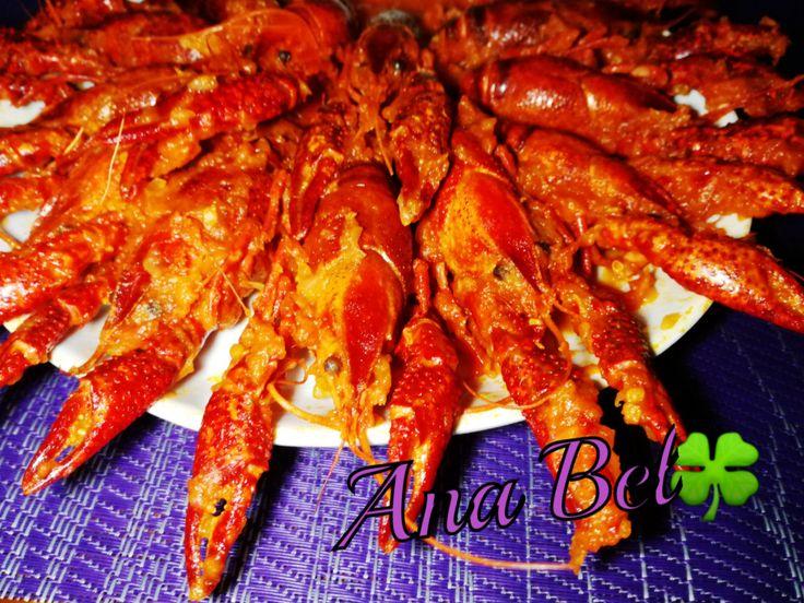 Cangrejos de rio con salsa de tomate https://mycook.es/receta/cangrejos-de-rio-con-salsa-de-tomate