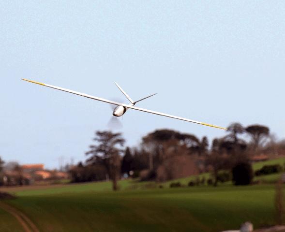 Présenté lors de la 2nde édition des Objets de la nouvelle France industrielle, Delair-tech conçoit des petits drones autonomes et de longue endurance pour des missions de surveillance civile (zones de catastrophes, relevés de données, photographies aériennes)