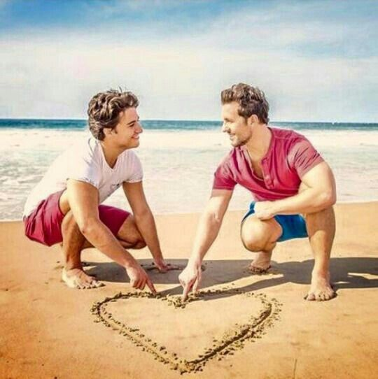 Love is the only thing you can really give in all this world. When you give love, you give everything. Theodore Dreiser #quote #quoteoftheday #loveislove #lovewins #picoftheday