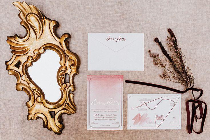 Invitaciones de boda de Sara y Jose. Acuarela personalizada en rosa y color vino tinto. #pinkstationery #pantone2018 #invitaciones2018 #invitacionesdeboda #papeleriadebodas #stationery #weddingstationery