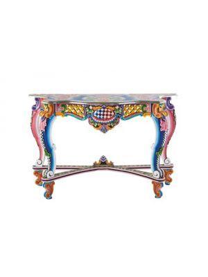 Bemalte Möbel Erinnern Uns An Der Romantischen Vergangenheit, Als Unsere  Großeltern Jung Waren. Jetzt Hat Kare Design Dieses Konzept Neu Definiert