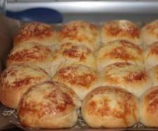 Käsebrötchen mit Feta-Füllung