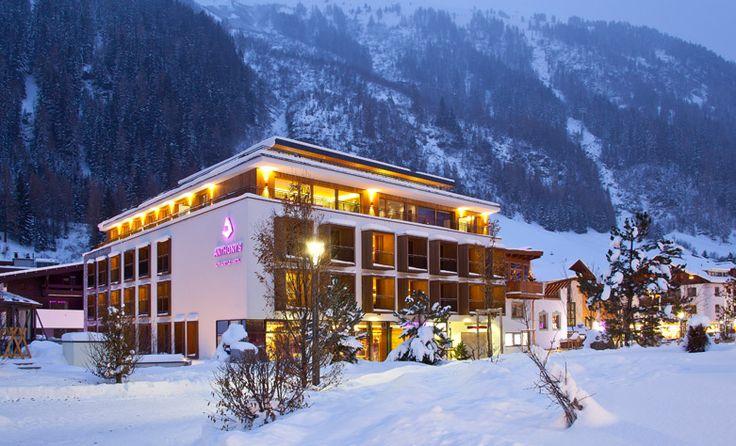 Hotel Anthony's, St. Anton am Arlberg: Skifaaaaaaahrn! Das ideale Hotel für einen spontanen Skiurlaub hat unser neuer Gastkritiker Kersten mit dem Hotel Anthony's in St. Anton am Arlberg gefunden. Ganz nah an der Skipiste und am Abend ein cooler Hotspot. Zum Hotelbericht bitte hier entlang: http://www.luxuszeit.com/hotelbewertung/hotel-anthonys-st-anton-am-arlberg.html