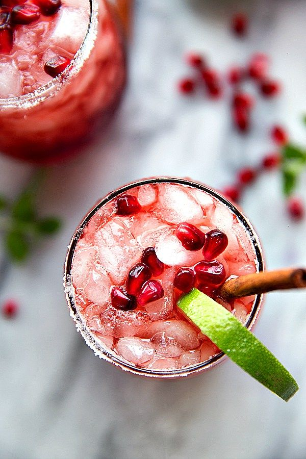 Non-Alcoholic Drinks for Thanksgiving - Sparkling Cranberry Pomegranate Drink | http://www.roseclearfield.com