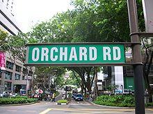 Pagi2 enaknya kita jalan2 kesini dulu nih abis tidur semalaman, lom lengkap ke singapore tanpa jalan kesini..disini bisa menemukan banyak macam retail2, cafe santai dll dah. Orchard Road wait for all of you ^^  #SGTravelBuddy