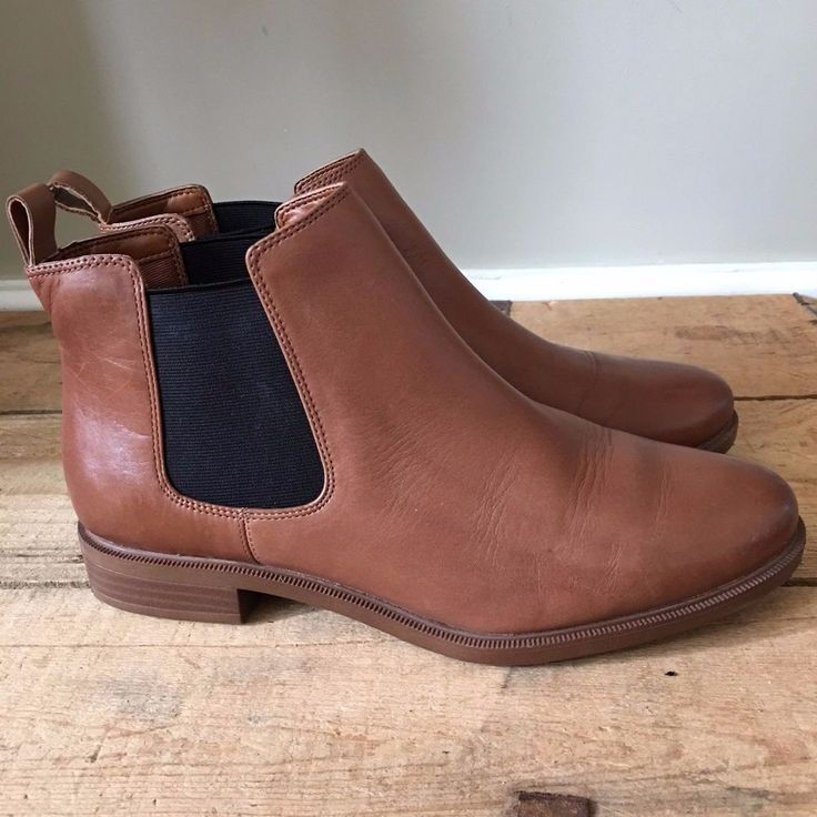 clarks wide fit shoe boots