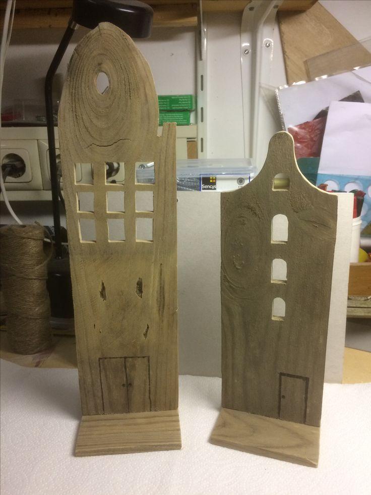 Huisjes van oude schuttingplank