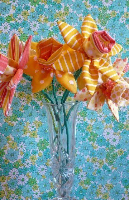 Maos que Criam by Maria Luiza: Flores de tecido