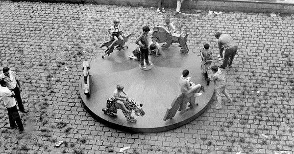 """De 17 de março a 24 de julho, o MASP apresenta a exposição """"Playgrounds 2016"""", um projeto de arte contemporânea com obras participativas que…"""