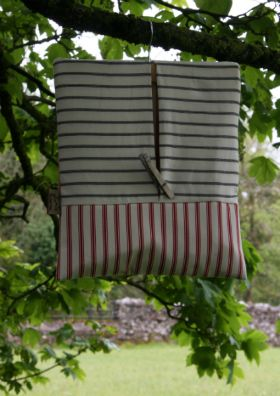Cotton ticking fully lined peg bag. Who says functional can't be stylish?  Machine washable and an ideal size at 30 x 35cm.