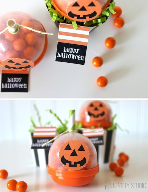 Creative Halloween favors!Halloween Parties, Pumpkin Favors, Halloween Party Favors, Halloween Crafts, Halloween Pumpkin, Parties Favors, Favors Ideas, Halloween Treats, Halloween Favors