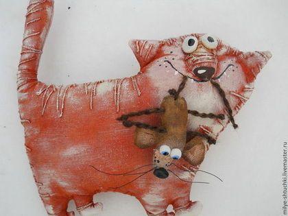 Для тебя! - разноцветный,кот,мышь,подарок,котейка,улыбка,позитив,бязь