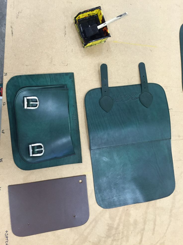 Making Bags #making#leathercraft#leeriverleather