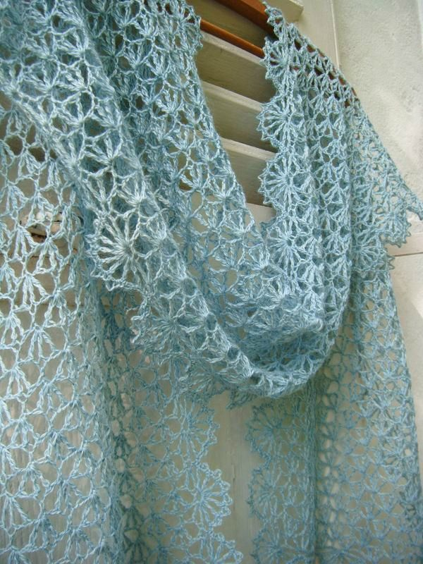 Beautiful Lacy Wrap: free pattern link to Ravery