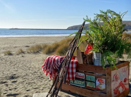 ...a quiet life...: advent day 19~Have a picnic at the beach