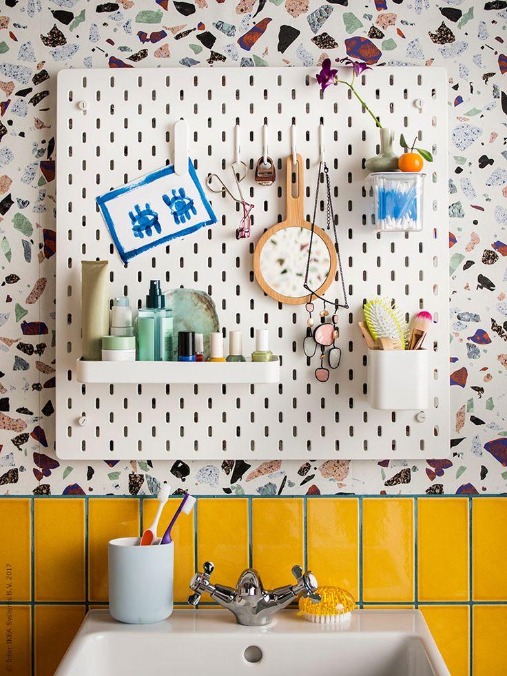 IKEA Deutschland | Hier die SKÅDIS Lochplatte als Einsatz im Badezimmer.  http://www.ikea.com/de/de/catalog/products/00320803/ #Badezimmer #Badezimmeraufbewahrung #Badezimmerinspiration