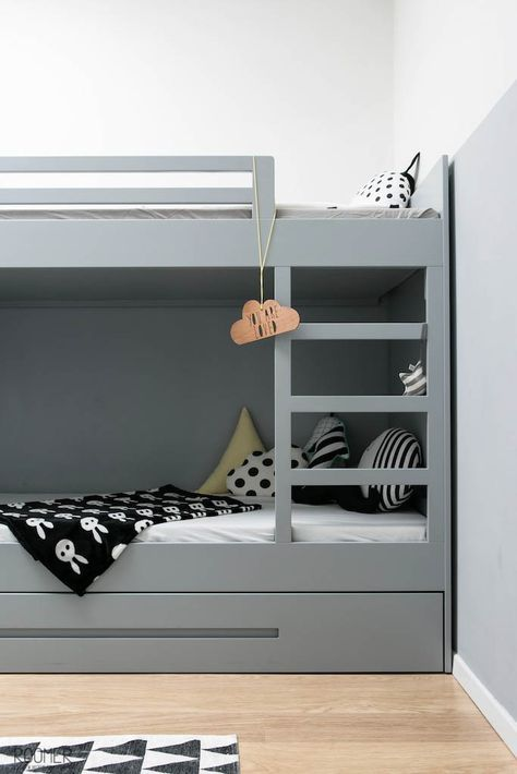 Shared kids room in grey tones - Modern bunk bed