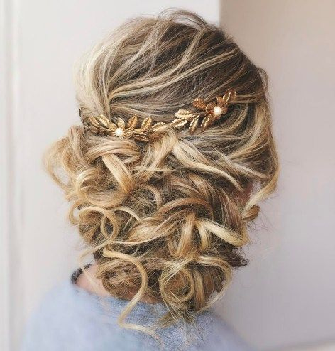 The 25+ best Loose curly updo ideas on Pinterest | Prom updo ...
