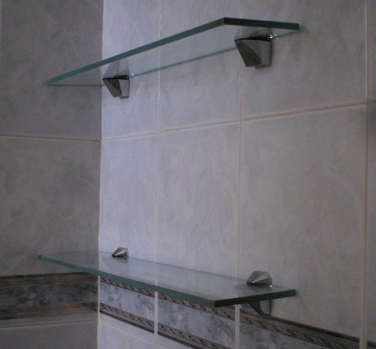 Repisas sencillas y elegantes para baño. Con cristal 10 mm claro y clips de acero inoxidable. www.babieka.com.mx