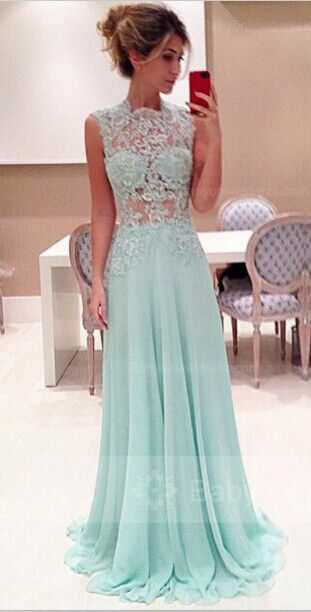 Long evening dress | You can find this at => http://feedproxy.google.com/~r/amazingoutfits/~3/hrljMF9QLg0/photo.php