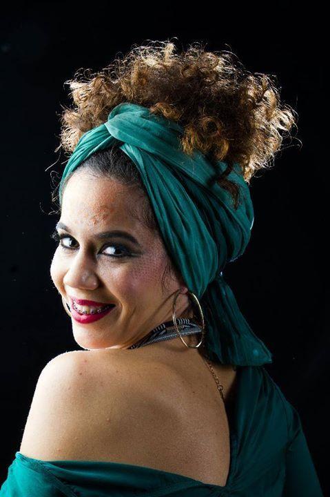 """Curso de Maquillaje Profesional & Aerógrafo  IRMA DE LA GUARDIA   Fotografía: LAURA GARCÍA  Modelo: CARMEN NOGUER  MIJAS NATURAL (Beauty & Hair) en constante formación esta vez en el TEATRO CÁNOVAS (Málaga) donde se imparte el curso """"Reciclaje en Maquillaje Profesional y Aerógrafo"""" dirigido por la profesora IRMA DE LA GUARDIA RAMOS con el objetivo de enseñar a través de la teoría demostraciones y prácticas las técnicas tradicionales entendiendo como tal la aplicación del maquillaje con…"""