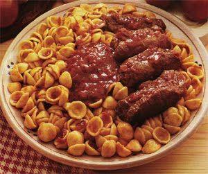 Orecchiette fresche bracioline cavallo piatto unico abbinamento vino pomodori peperoncino pasta fresca salumi erbe aromatiche ricette