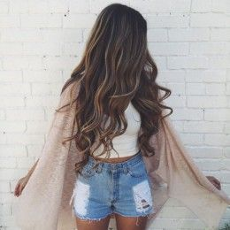 hell with the cardigan....i want her hair!