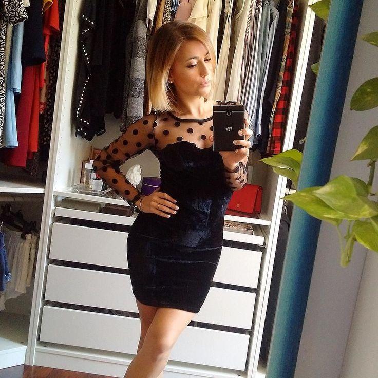 #inst10 #ReGram @vsantangeli: | Salve ragazze!!!  Come promesso dato che vi è piaciuto così tanto vi mostro l'abito per intero di @dreamshop_wear  Io lo trovo carinissimo  È una taglia unica ma veste divinamente  Fatemi ovviamente sapere che ne pensate  Vi mando un bacio  E vi auguro un bellissimo sabato sera  |  #vuesse #vuessefashion #ootd #outfit #outfitoftheday #dreamshop #BlackBerryClubs #BlackBerryPhotos #BBer #BlackBerryPassport #Passport #QWERTY #Keyboard