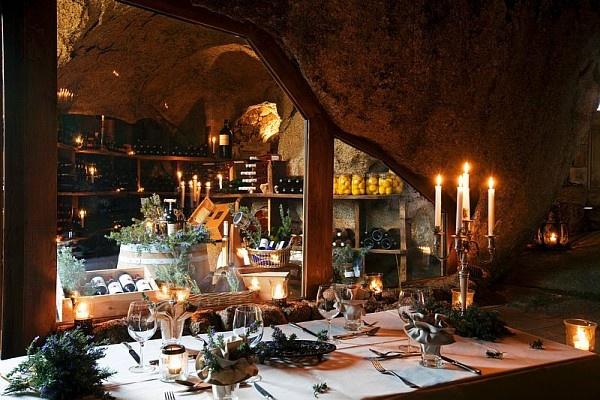 Restaurant et cave de la Grotte, Domaine de Murtoli, Corse du Sud (2A), France
