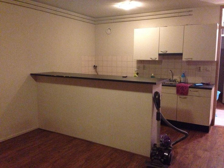 My #Dutch #kitchen #diningroom #bar #vlaardingen #rotterdam #homedecor #before #picture This is going to change completely! Stay tuned for the renovation!