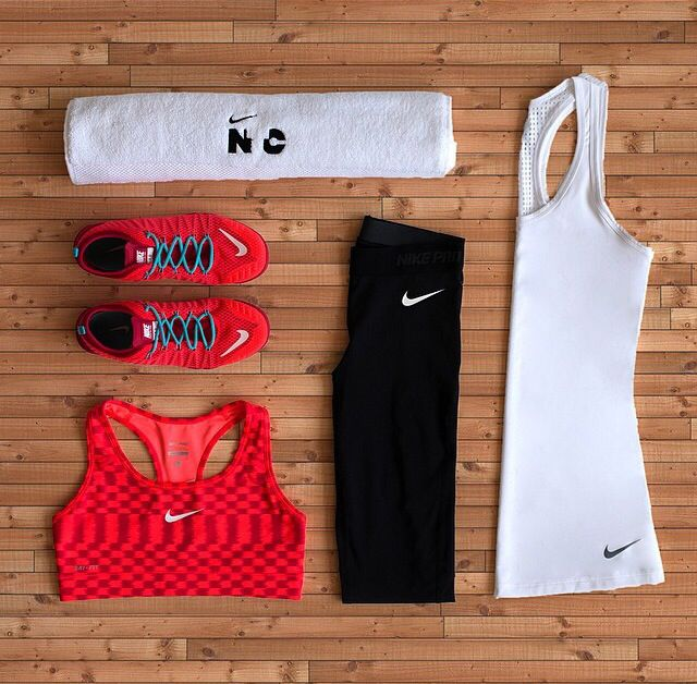 Nike Women. Nike clothes match to Nike shoes , try here:http://www.loverunningso.com