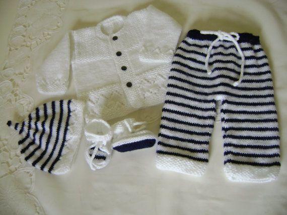 Conjunto Tejido para Bebé Azul y Blanco 0 a 3 Meses por Pitusa, $79.00