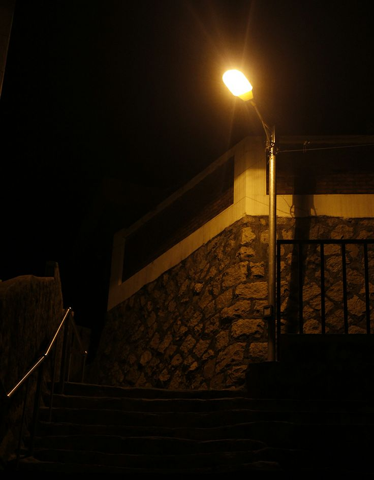 Si Young Yu / 골목 속의 빛 / #골목 #담벼락 #설비 / 2014 04 21 /