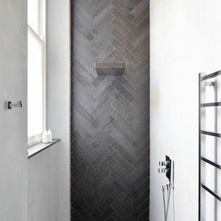 Dak wall in shower