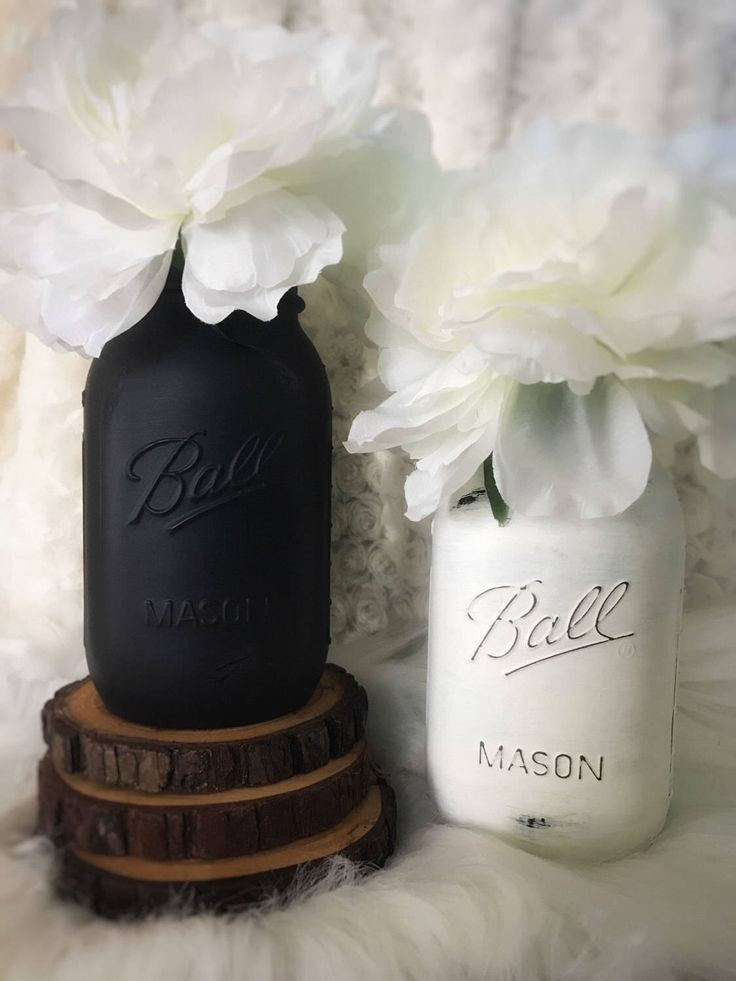 Black and White Mason Jars, Painted Mason Jars, Black and White, Rustic Wedding Centerpiece, NYE Decor, Black and White Jars, Rustic Decor by MintedCountryShop on Etsy https://www.etsy.com/listing/483533160/black-and-white-mason-jars-painted-mason