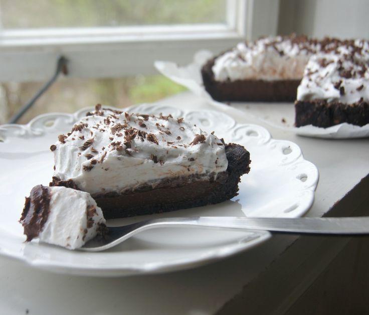 Sinless Vegan Chocolate Cream Pie » Sounds amazing!