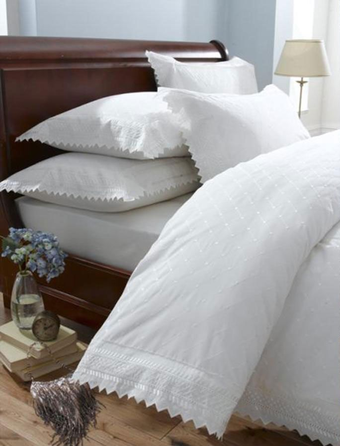 White Vintage Lace Broderie Anglaise Bedding Duvet Cover Set White Duvet Covers Duvet Cover Sets Duvet Bedding