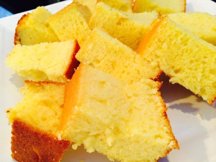 The Smokery Kitchen & Bar fresh baked cornbread #thesmokerystouffville @thesmokery.ca