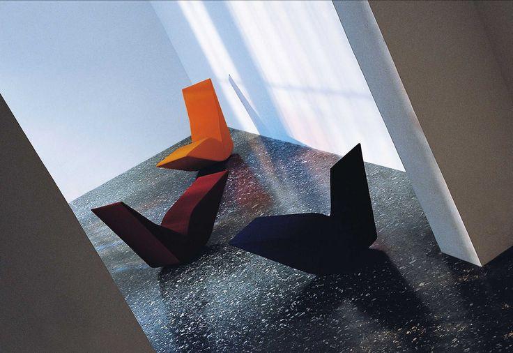 Αύριο Πέμπτη 6 Οκτωβρίου η αέρινη πολυθρόνα Bird του οίκου CAPPELLINI σχεδιασμένη από τον διάσημο Tom Dixon, το ιστορικό φωτιστικό Coupe από τον πρωτεργάτη του ιταλικού design Joe Colombo συνυπάρχουν με έργα  των εικαστικών Γρηγόρη Λαγού και Δημήτρη Βλάσση, στην 5η έκθεση DESIGN FOR LIFE.   Πέμπτη 6 Οκτωβρίου, 18:00 - 22:00 Παρασκευή 7 Οκτωβρίου, 11:00 - 22:00 Σάββατο 8 Οκτωβρίου, 11:00 - 22:00 Κυριακή 9 Οκτωβρίου, 11:00 - 21:00 Εγκαίνια έκθεσης την Παρασκευή 7 Οκτωβρίου, στις 19:30.
