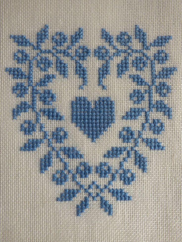 Floral Heart Cross Stitch Pattern | Felt