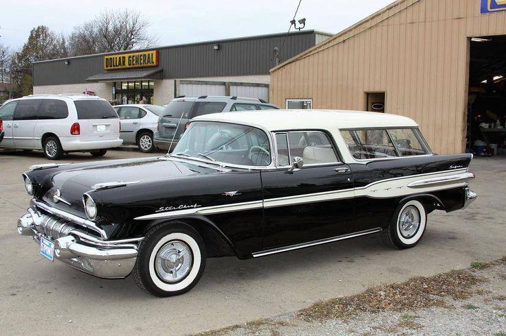 1957 Pontiac Starchief Safari Wagon