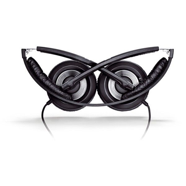 Sennheiser PXC 250 II - Closed design ensure excellent passive attenuation of ambient noise, allowing you to enjoy your music without distractions