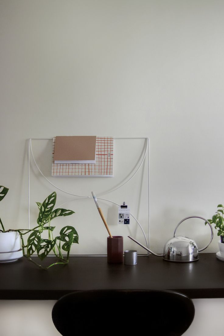 Artist's Desk in Stockholm, Söder om Söder: Wallment Bow Grid Metal Wire Memo Board in White / Monstera Monkey Mask Plant / White Arabia Richard Lindh Pot #arbetshörna