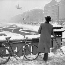 Henri Cartier-Bresson, WEST GERMANY. Hamburg. December 1952-January 1953.