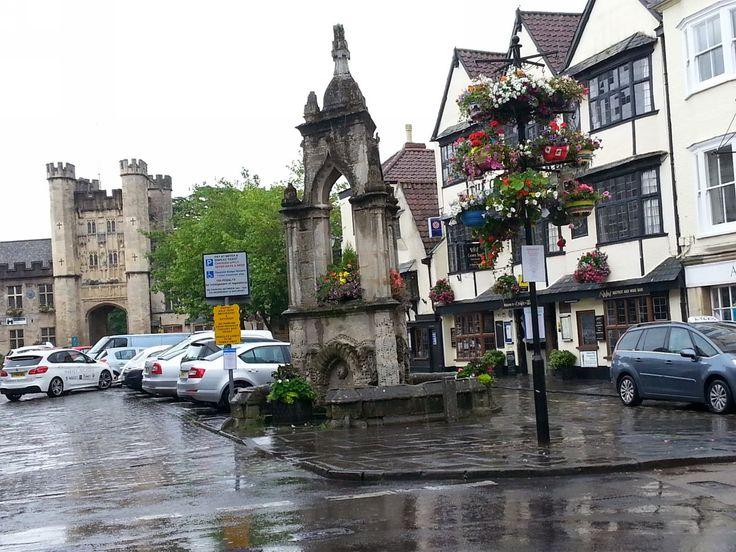 Wells: Při cestě z autobousového nádraží ke katedrále.