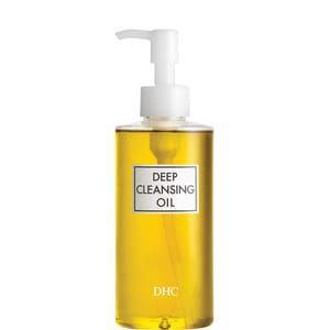 Het reisformaat van uw favoriete reinigingsolie. Met Deep Cleansing Oil, de absolute topper van DHC overal ter wereld, reinigt u in minder dan een minuut uw huid perfect en op milde wijze. Door de weldaden van olijfolie te combineren met die van vitamine E verwijdert deze verzorging - samengesteld zonder parfum, kleurstoffen en parabenen - perfect en op zeer eenvoudige wijze zelfs de hardnekkigste make-up, zoals waterproof mascara, en onzuiverheden die zich in de loop van de dag ophopen…